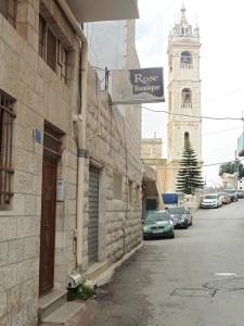 auf dieser Straße wohnt Faten Mukarker in Beit Jala