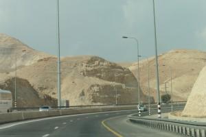 von Jericho 1.100 m hinauf nach Jerusalem