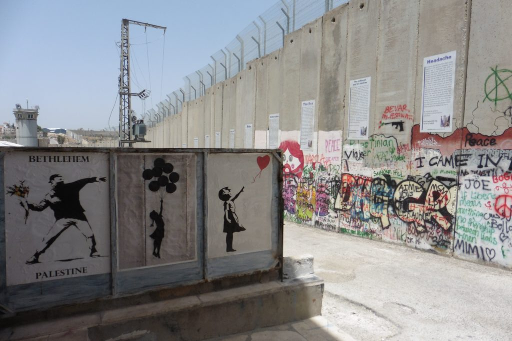 weltbekannt: Grafitti von Banksy