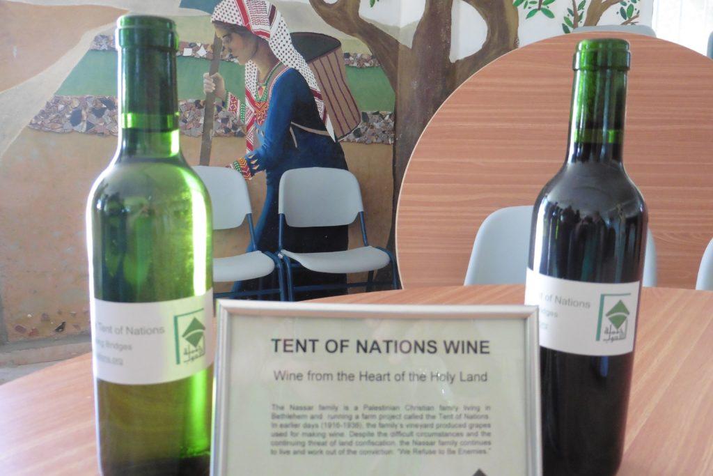 Rot- und Weiß-Wein 2015 vom Weinberg der Familie Nassar