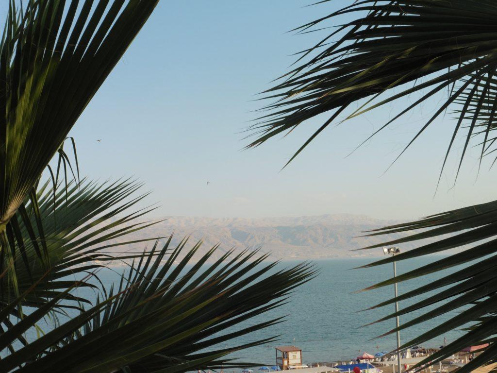 """das """"ach"""" so tote Meer, mit Blick auf die jordanischen Berge"""