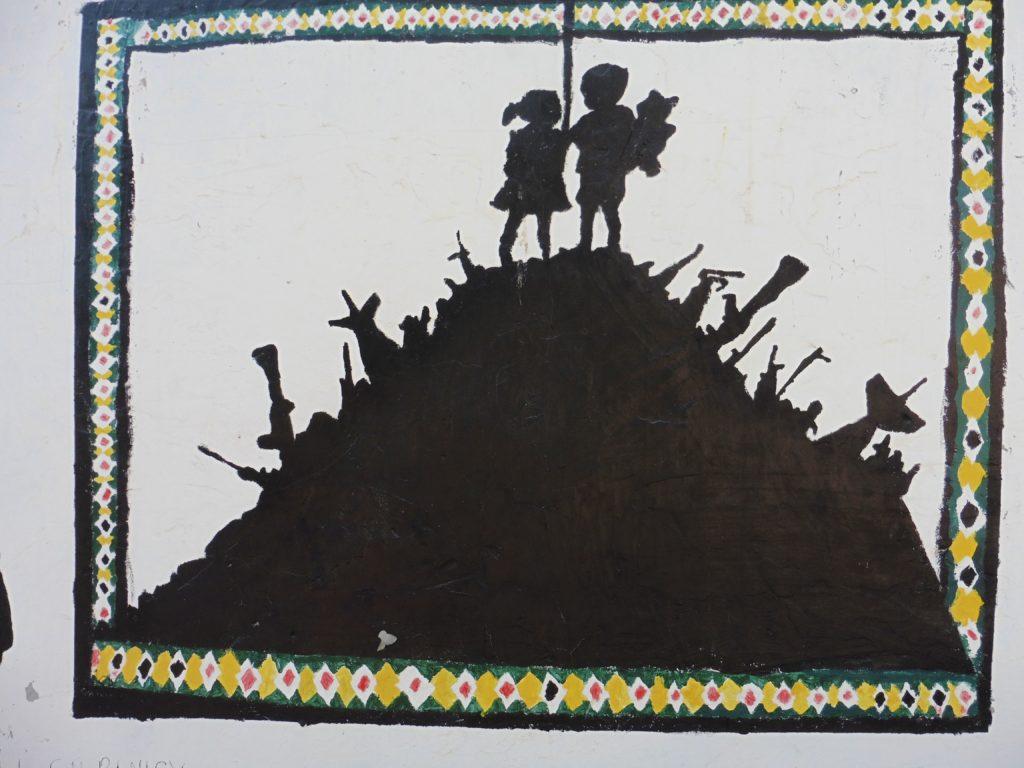 am Ende wenn alle Waffen verschossen sind, alles Leid überwunden dann -so drückt es dasBild aus welches ich in Nazareth an einer Wand gesehen habe- reichen sich die Geschwister die Hand